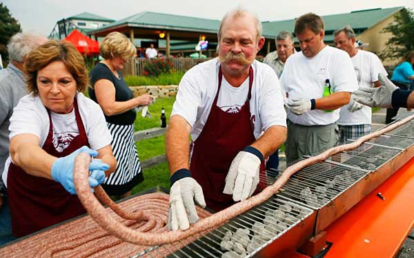 Could you eat a 100-foot-long bratwurst?