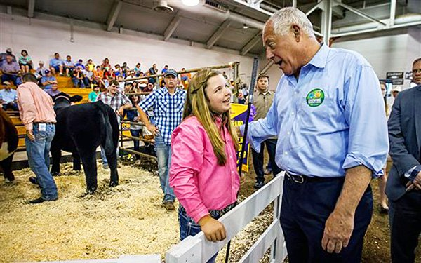 12-year-old girl sells steer for $100,000